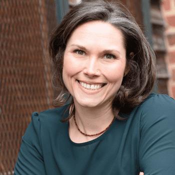 Lindsey Lathrop | Your Career Advancement Friend